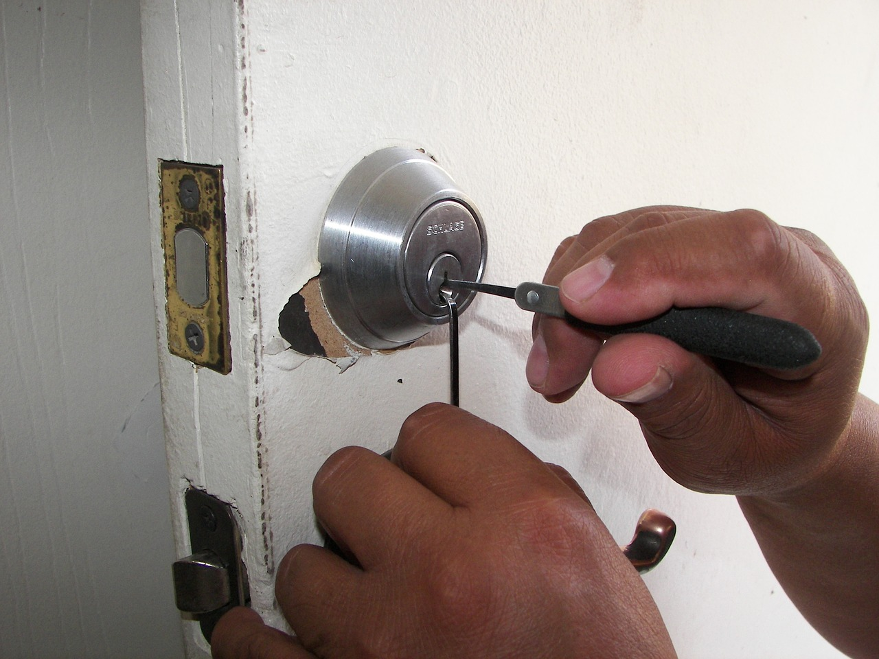 locksmith near